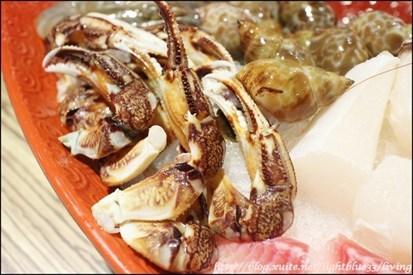 林森北路美食 ] 浅蓝×状元红牛肉火锅~中药红烧汤底,还有大白菜香甜
