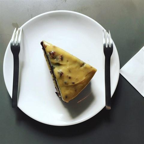 偏甜,但滿好吃的起司巧克力口味的蛋糕